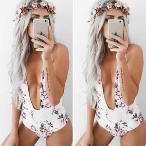 Other - 🌸PREORDER🌸 Deep V-Cut Floral Swimsuit